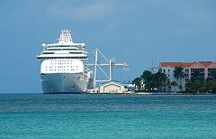 Cruise Ship Terminal - klein