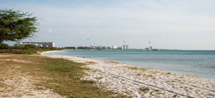 Begin van Malmok beach - met uitizht over Palm beach